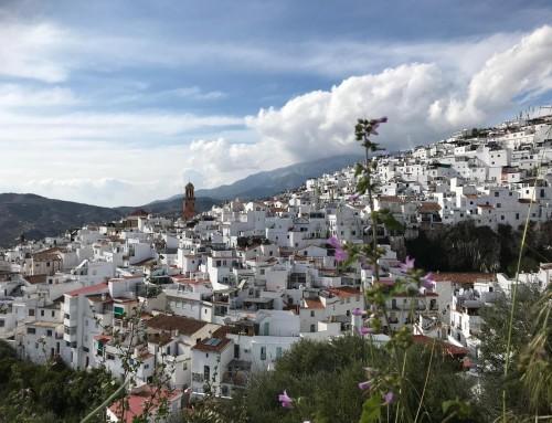 Qué hacer en Cómpeta: paseo por su centro histórico